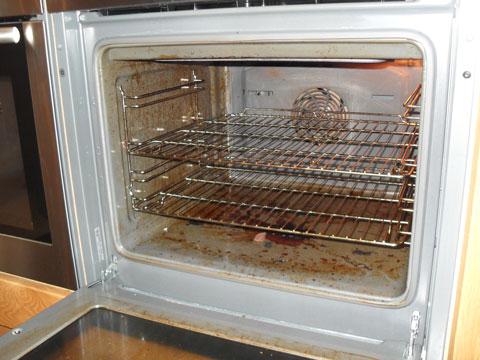 Rengør din ovn uden den dyre ovnrens - Brug brun sæbe